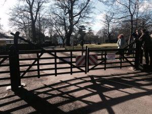 Gate_Oakhill