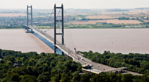 Humber_Bridge_photograph_2012_WEB